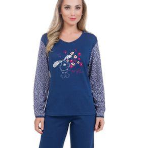 Pijama-Feminino-Adulto-Peluciado-com-Estampa-nas-Mangas-e-Frente-da-Blusa-Victory
